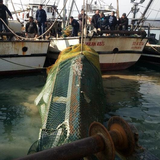 Akdeniz'de balıkçıların ağına yat takıldı