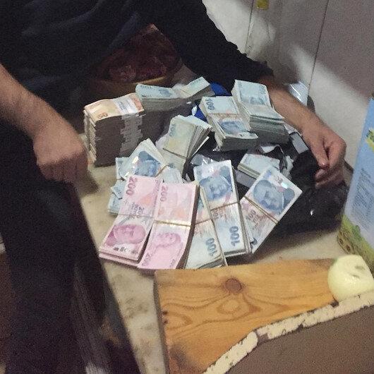 Gıda malzemesi siparişi verdi: Kolilerden 300 bin lira çıktı