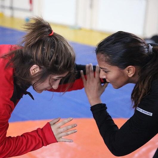 """المصارعة الهندية """"فوغات"""" تشارك في معسكر تدريبي بتركيا"""