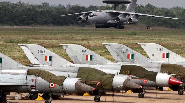 Hindistan Pakistanı Vurdu