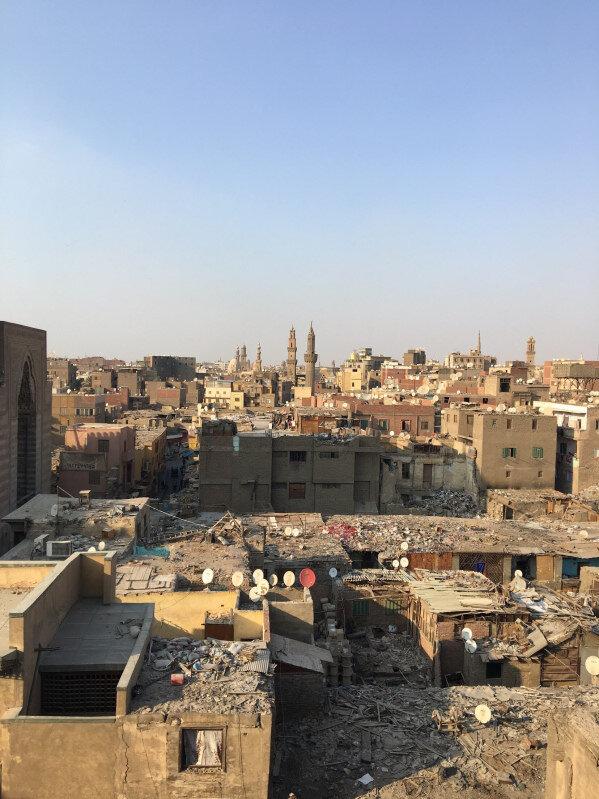 Babü'z Züveyle'nin üzerindeki minarelere çıkıp Kahire manzarası seyredebilirsiniz.