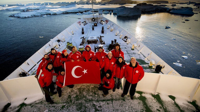 Turkish team of the Third National Antarctic Science Expedition.