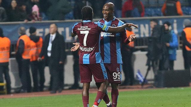 Hugo Rodallega ve Anthony Nwakaeme'nin gol sevinci.