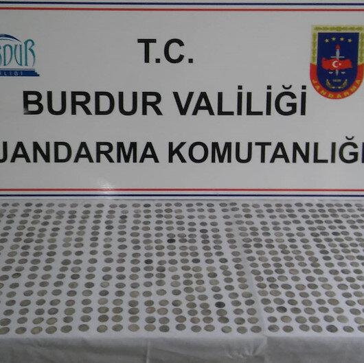 Burdur'da tarihi eser operasyonu: 782 sikke ele geçirildi