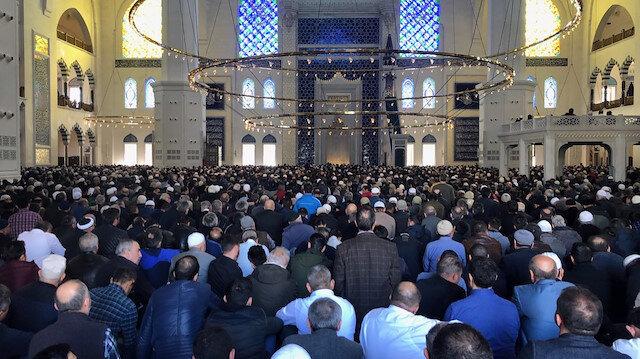 Çamlıca Camiinde ilk cuma namazı heyecanı