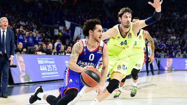 Anadolu Efes'ten Eurolague'de dev galibiyet