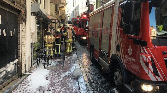 Beyoğlunda otelde yangın paniği