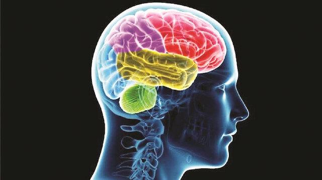 """""""Beynin tasarladığı ve inandığı her şeyi vücut başarabilir"""""""