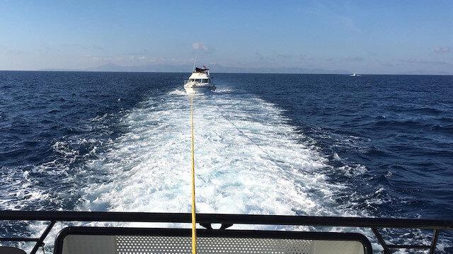 Sürüklenen teknedeki göçmenler böyle kurtarıldı