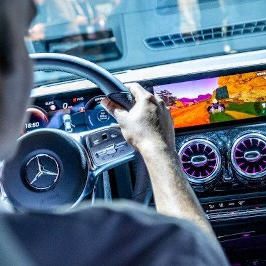 Mercedes-Benz otomobilleri oyun konsoluna çeviriyor