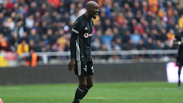 Atiba Hutchinson, Beşiktaş formasıyla 2 Süper Lig şampiyonluğu yaşadı.