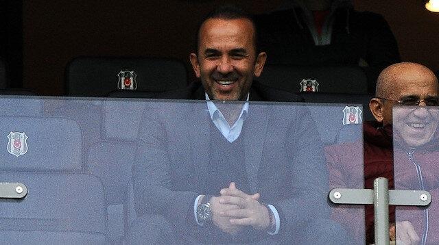 Mehmet Özdilek, Beşiktaş-Konyaspor maçını tribünden izledi.