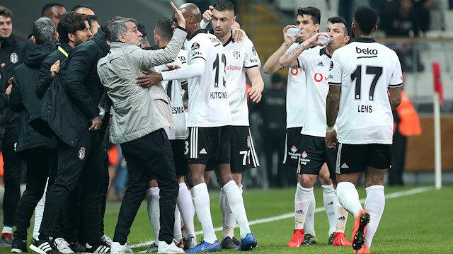 Beşiktaş, Atiker Konyaspor'u son dakikalarda attığı golle 3-2 mağlup etti.