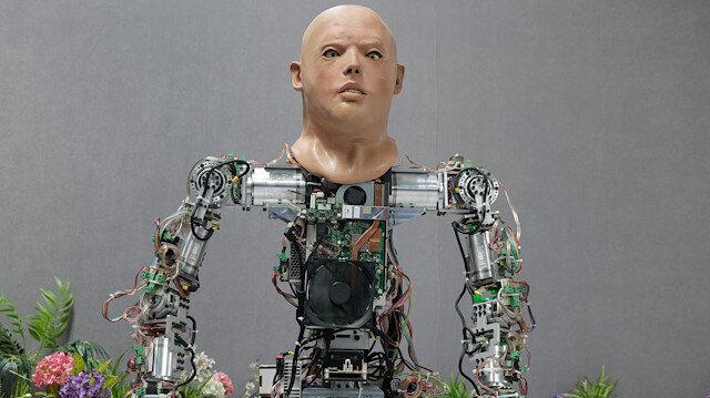شركة تركية تطور روبوتا يمشي ويتحدث 7 لغات