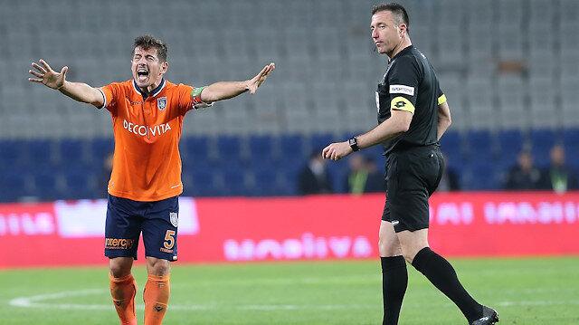 Hüseyin Göçek, Başakşehir-Fenerbahçe maçındaki kararlarıyla tepki çekmişti.