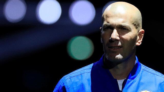 Zinedine Zidane, Real Madrid'deki görevini bıraktıktan sonra hiçbir takımı çalıştırmamıştı.