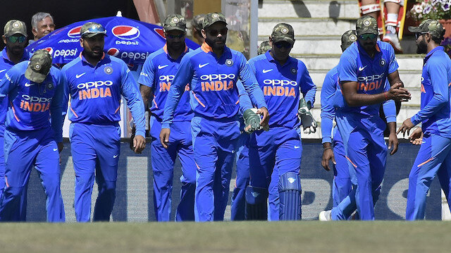 Australia beat India by 4 wickets in 4th ODI