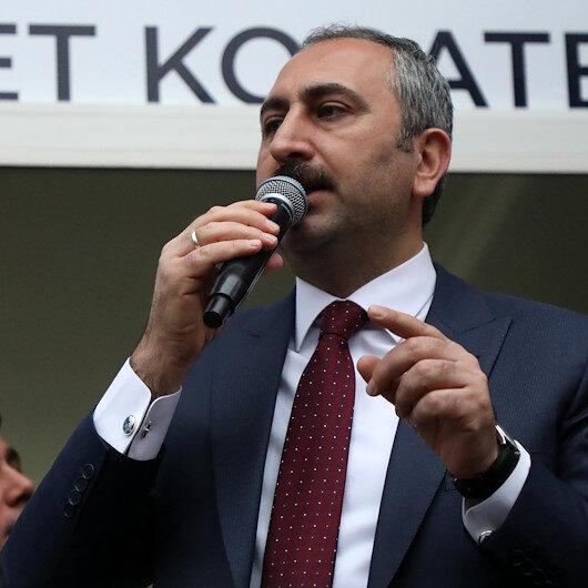 Bakan Gül: Siyaseti millete hizmet aracı olarak görüyoruz