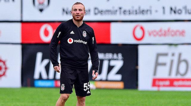 27 yaşındaki futbolcunun Beşiktaş ile olan mukavelesi, 30 Haziran'da sona erecek.