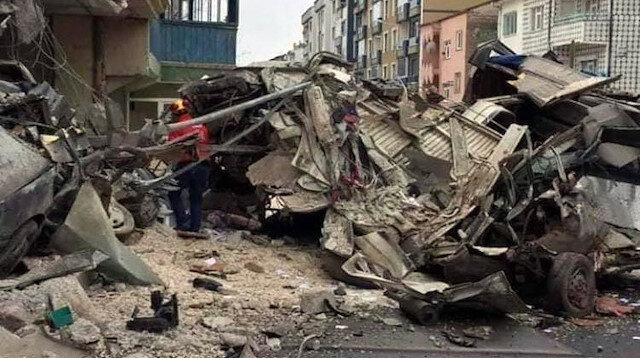 Kayseri'de freni patlayan kamyon eve girdi: 2 ölü