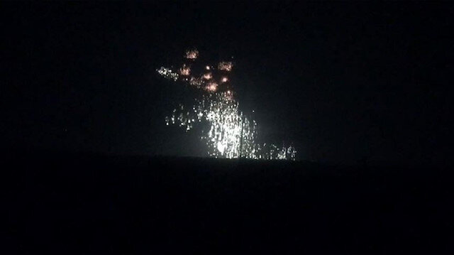 قوات النظام تقصف إدلب بـ 80 قنبلة من الفوسفور الأبيض المحرم دوليًا