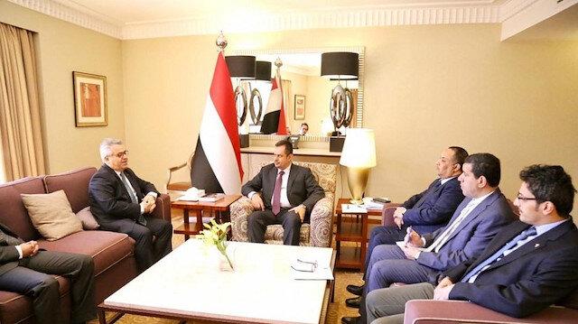 رئيس الوزراء اليمني يناقش مع السفير التركي مستجدات الأوضاع في بلاده