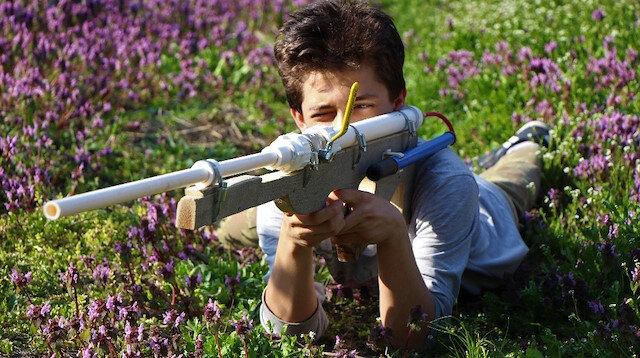 Babasının boş iş demesine aldırmadı tüfek tasarladı