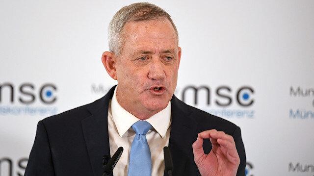 Gantz'dan Netanyahu'ya: Dolandırıcılıkla suçlanan başbakana güven olmaz