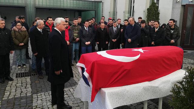 Büyükelçilikte düzenlenen törene Büyükelçilik mensuplarının yanı sıra vatandaşların da katıldı