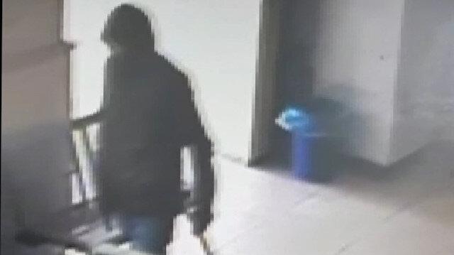PTTde silahlı soygun anı kamerada