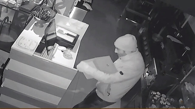 Parmak izine kadın çoraplı önlem alan hırsız