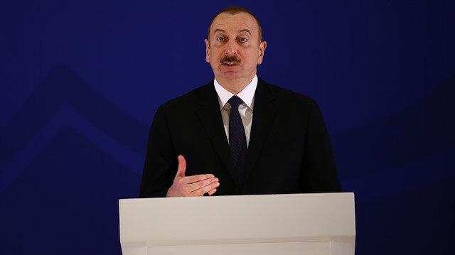 Aliyev, Azerbaycan'ın hem İslam İşbirliği Teşkilatı hem de Avrupa Konseyi üyesi olan nadir ülkelerden olduğunu hatırlattı.