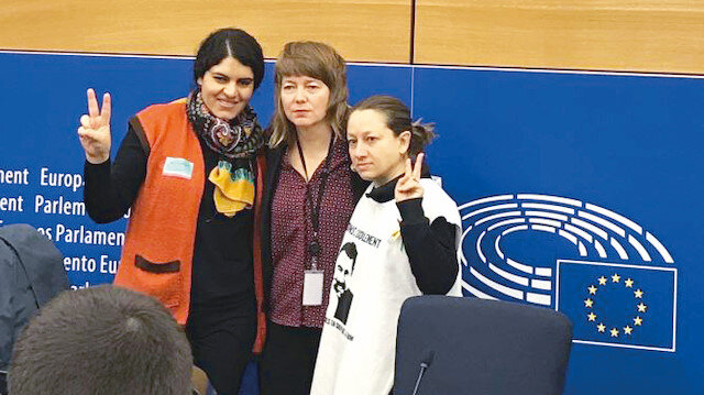Dilek Öcalan (Solda), Malin Björk (Ortada) ve Eleonora Forenza (Sağda)