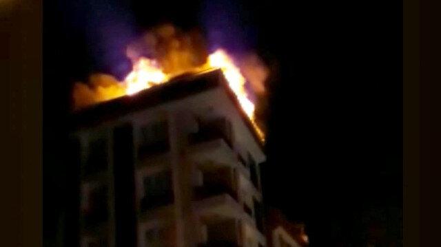 Evi yanan kadın hem ağladı hem de o onları kaydetti