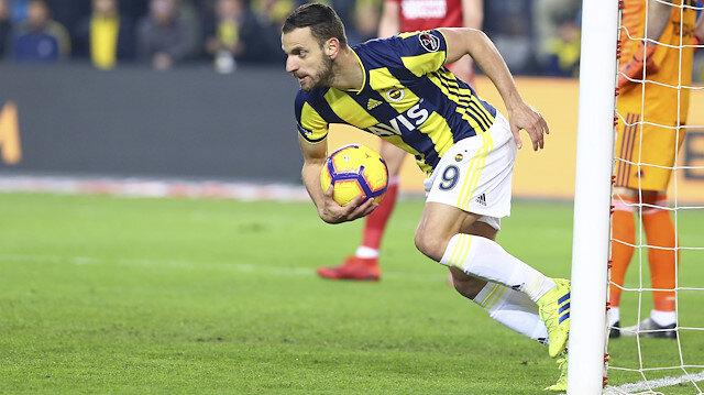 İspanyol golcü Roberto Soldado, Fenerbahçe'nin eşitlik golünü attı.