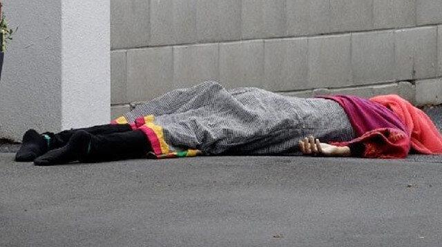 Cuma namazı için camide bulunan 200 kişiden 49'u şehit oldu.