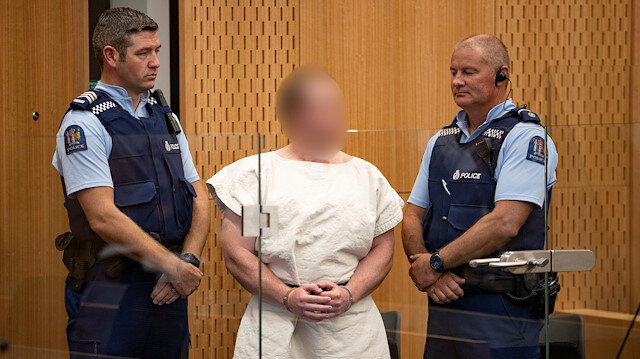Yeni Zelanda katliamcısı mahkemeye çıkartıldı