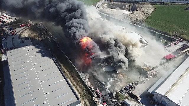 İstanbul'da kimya fabrikasındaki yangın tamamen söndürüldü