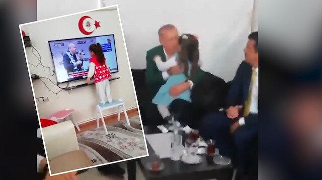 Cumhurbaşkanı Erdoğan kendisine ekrandan sarılan minikle buluştu