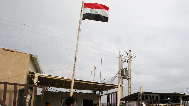 Iraq says to open border crossings with Syria soon
