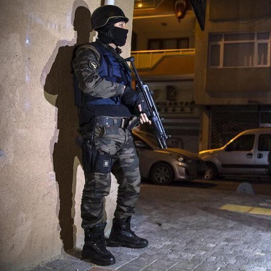 İzmir'de nevruz öncesi eylem planı yapan teröristler yakalandı