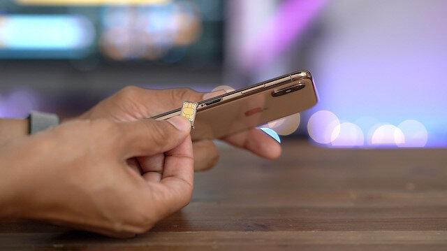 E-sim teknolojisine sahip akıllı cihazlar, birkaç küçük yazılımsal kurulum adımlarını tamamlayarak sim kart takmaya gerek kalmadan şebeke erişimine kavuşabilecek.