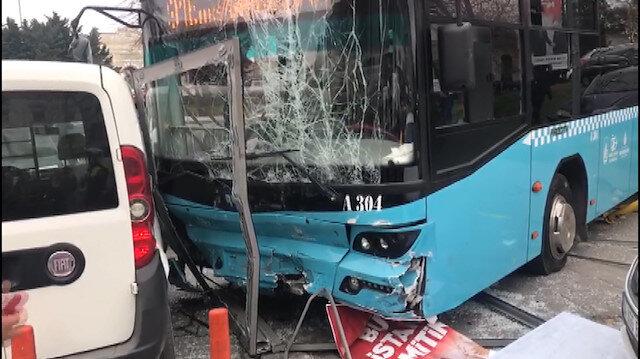 Beyazıt'ta Özel Halk Otobüsü kazası: Çok sayıda yaralı var