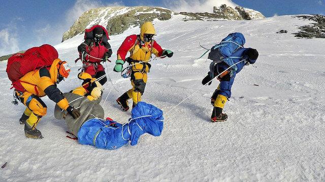 Buzlar eridi cesetler ortaya çıktı