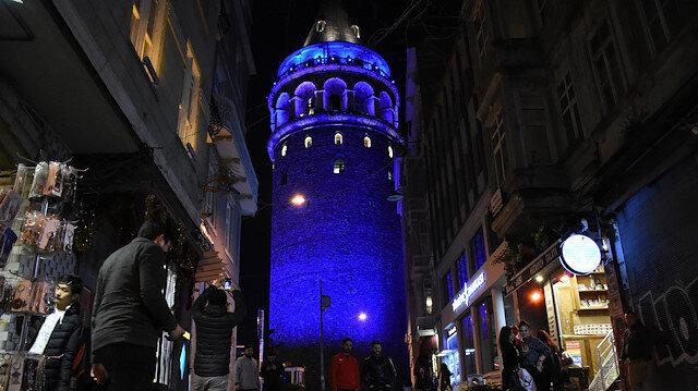 İstanbul Mavi'ye büründü