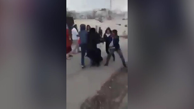 İşgalci İsrailliler Filistinli kadın ve oğluna saldırdı