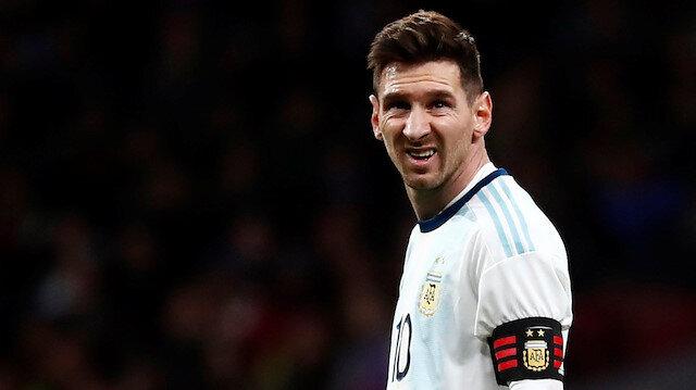 9 ay sonra Arjantin forması giyen Messi sakatlandı