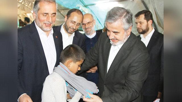 Suriyeli çocuklara 5 TIR dolusu iyilik
