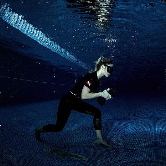 تركيّة تستعد لتسجيل رقم عالمي جديد في السير تحت الماء