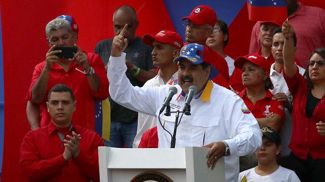 Maduro bakanların istifasını istedi